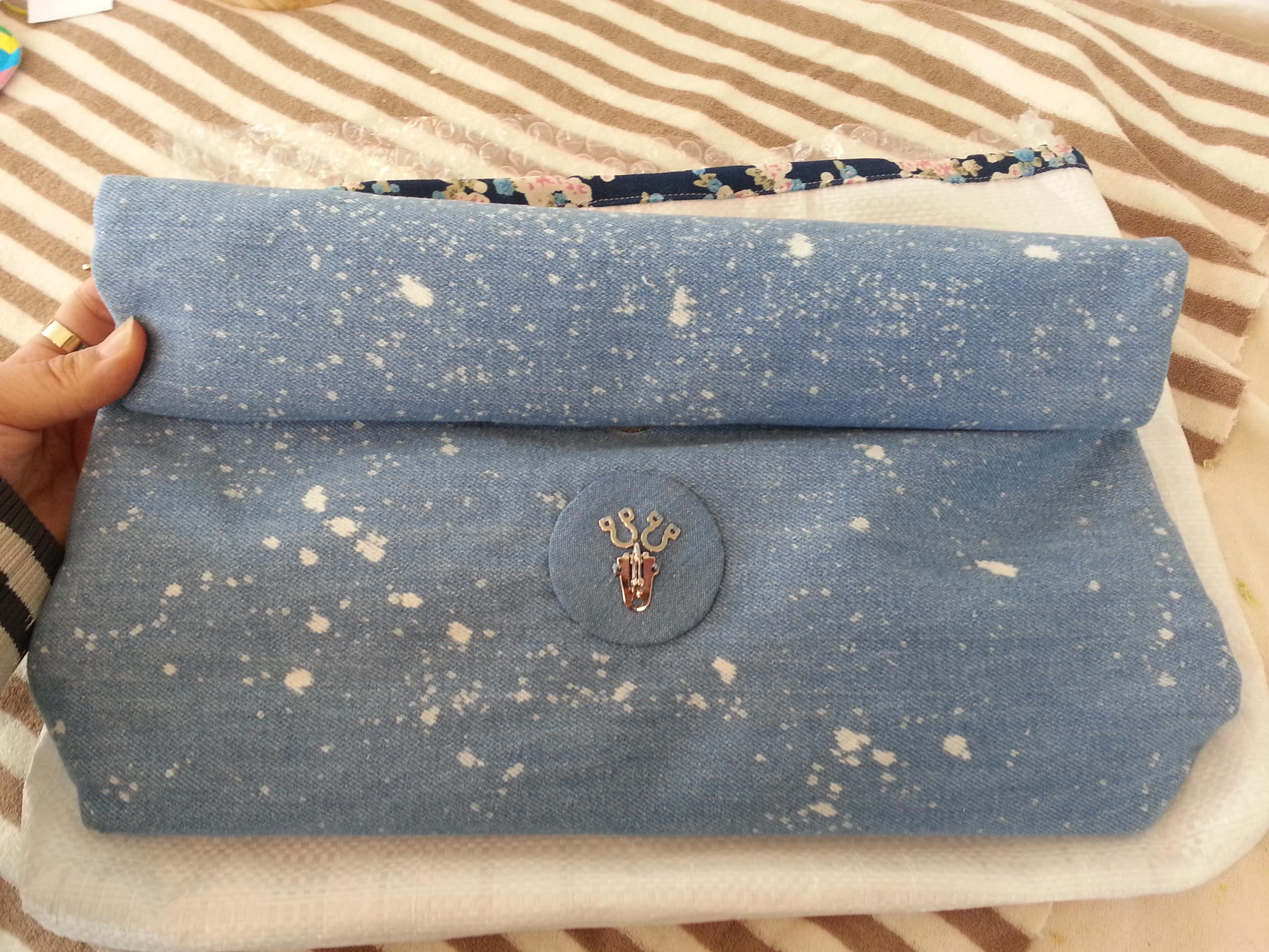 8acb68c37924 벚꽃 데님 파우치 베이비 블루 색상 주문했습니다.