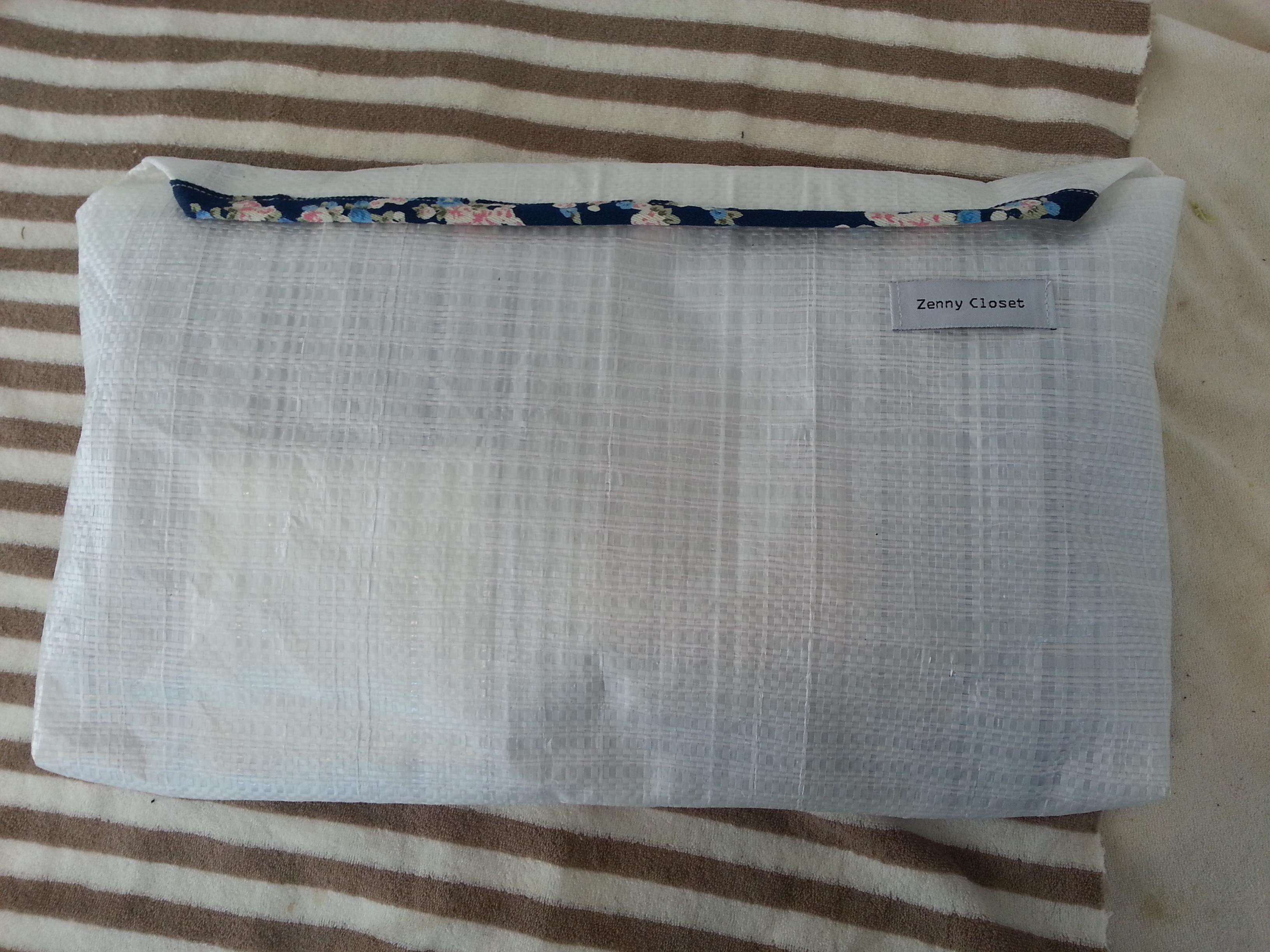 ba2d53f1a5aee8 벚꽃 데님 파우치 베이비 블루 색상 주문했습니다.